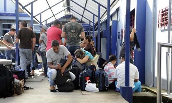cubanos-en-costa-rica-foto-tomada-de-la-nacion-de-costa-rica2