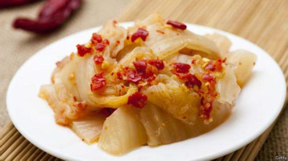el-kimchi-de-corea-del-norte-es-menos-rojo-y-menos-picante-que-la-versic3b3n-del-mismo-platillo-de-corea-del-sur-foto-getty