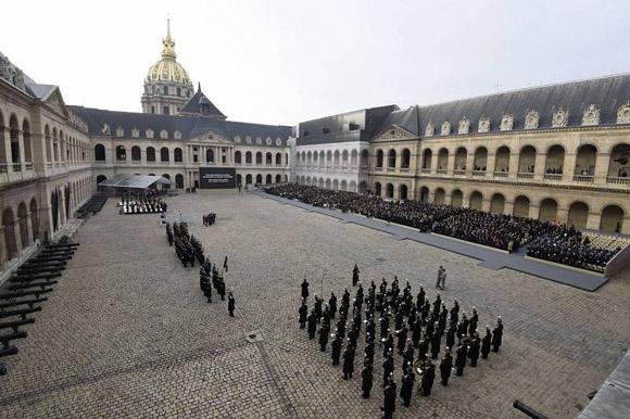 homenaje-nacional-por-las-victimas-del-13n-atentado-en-francia